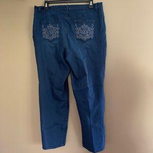 Gloria Vanderbilt Amanda Style Detailed Pockets